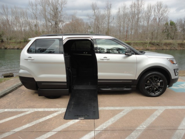 2017 Ford Explorer BraunAbility MXV Wheelchair SUVwheelchair van for sale