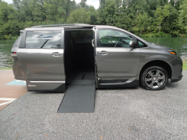 2016 Toyota Sienna VMI Toyota NorthstarAccess360wheelchair van for sale