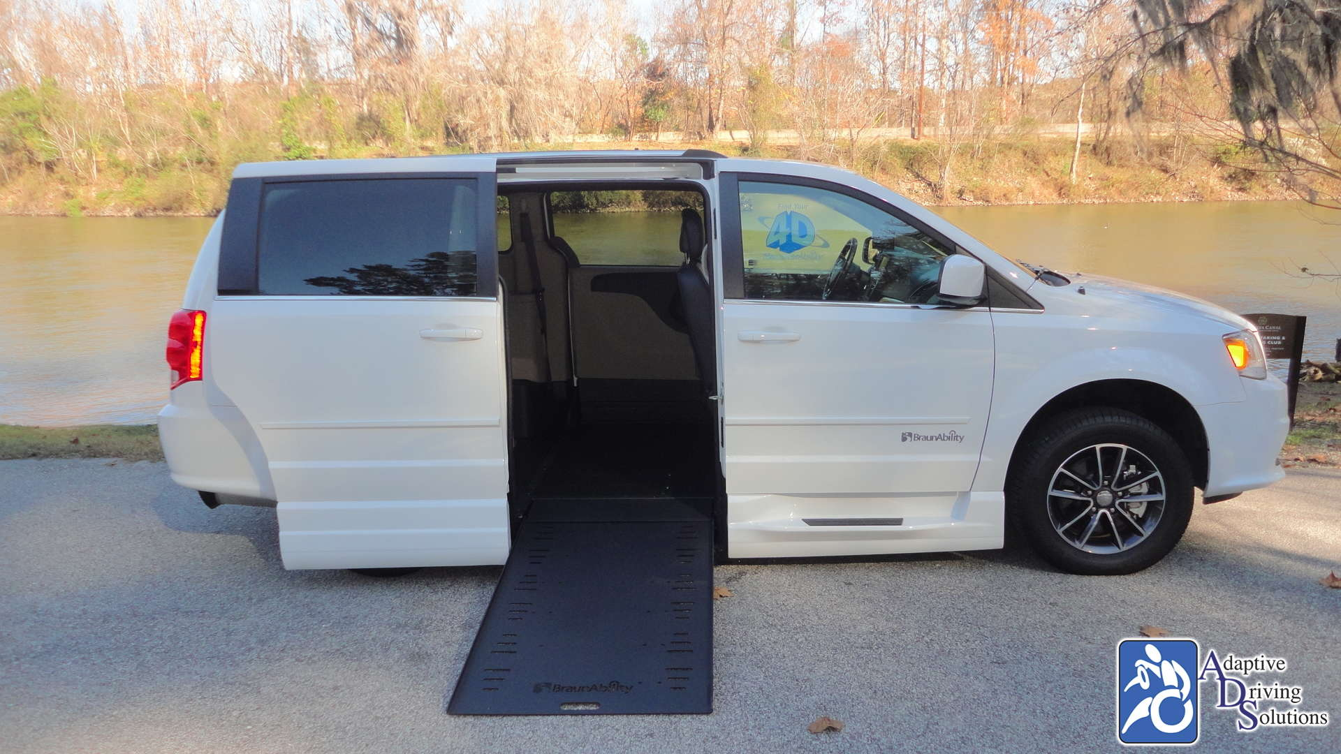 Adaptive Driving Solutions BraunAbility Dodge Entervan Xi Infloor  Gallery Image