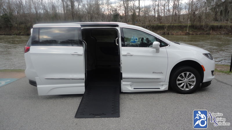 2018 Chrysler Pacifica Wheelchair Van - Adaptive Driving Solutions