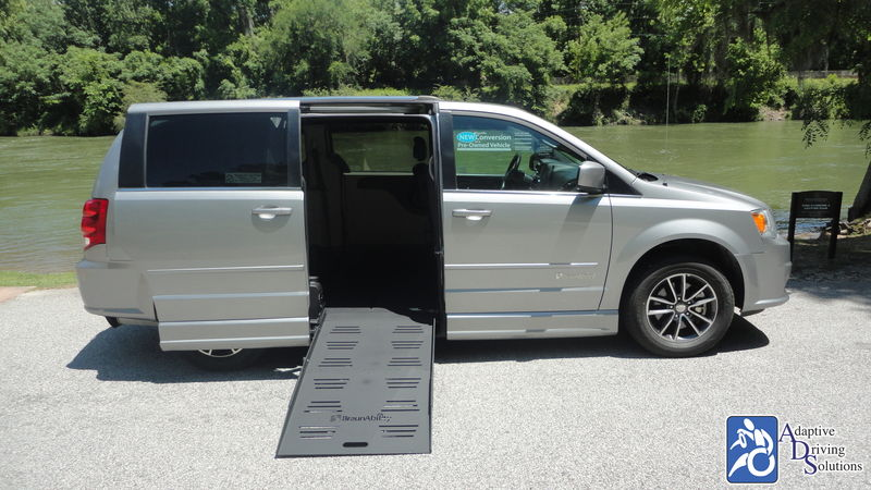2017 Dodge Grand Caravan BraunAbility Dodge CompanionVan Pluswheelchair van for sale