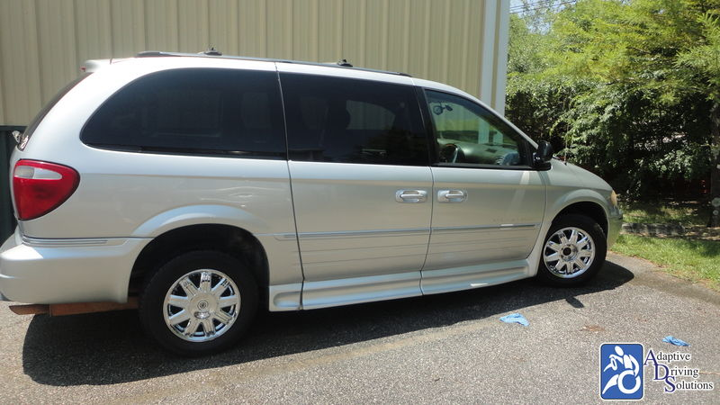 2006 Chrysler Town and Country Wheelchair Van - Adaptive Driving Solutions