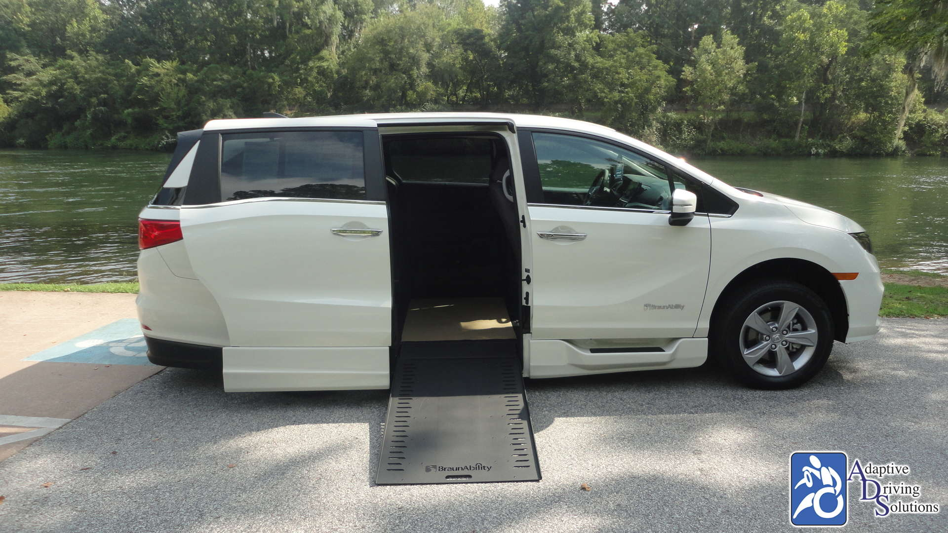Adaptive Driving Solutions BraunAbility Honda Power lnfloor  Gallery Image