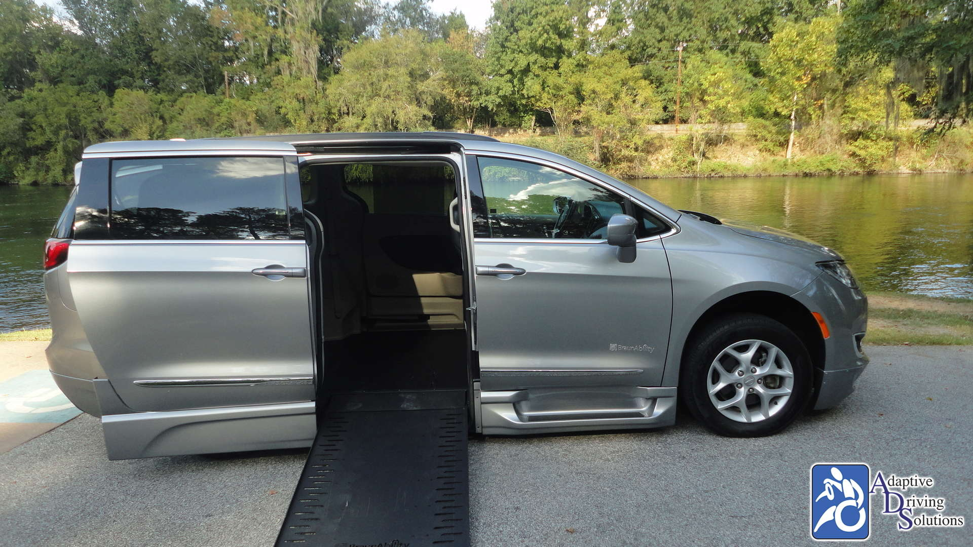 Adaptive Driving Solutions BraunAbility Chrysler Pacifica Infloor  Gallery Image