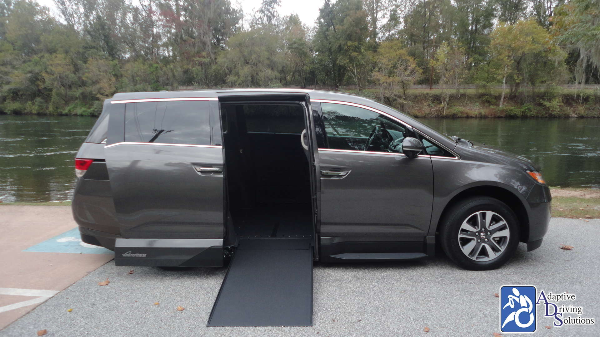 Adaptive Driving Solutions BraunAbility Honda Power Infloor  Gallery Image