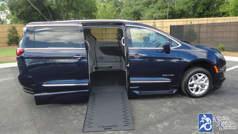 2020 Chrysler Pacifica Wheelchair Van - Adaptive Driving Solutions