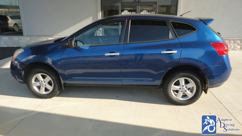 2010 Nissan Rogue wheelchair van for sale